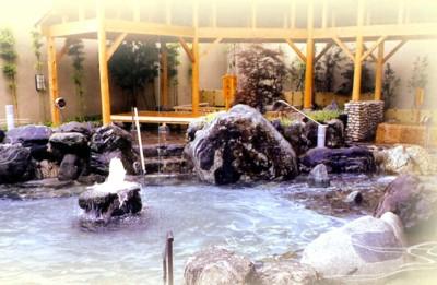 コロナの湯 露天風呂.jpg