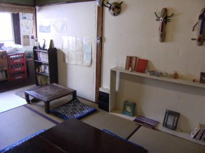 2010.12.123 北品川「クロモンカフェ」で龍馬ゆかりの?火鉢と対面 017.jpg