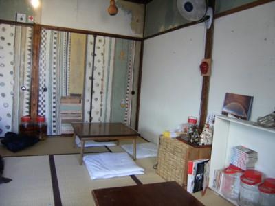 2010.12.123 北品川「クロモンカフェ」で龍馬ゆかりの?火鉢と対面 029.jpg